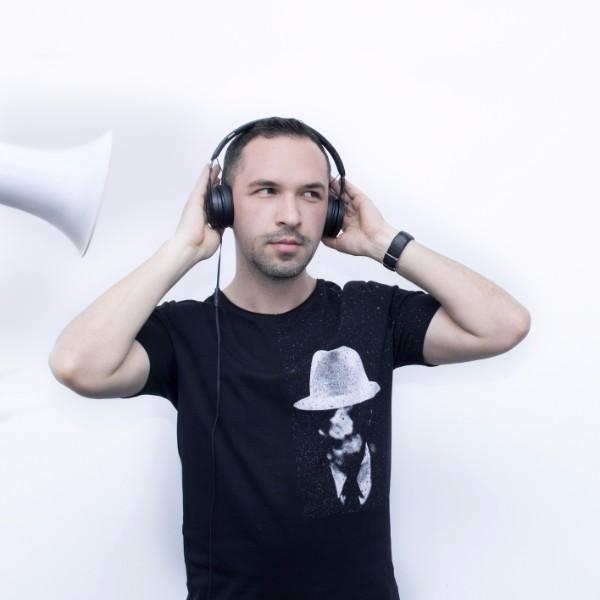 Miroslav Mladenov Art Director